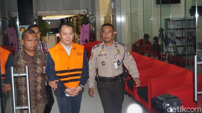 Eks Presiden Direktur Lippo Cikarang Bartholomeus Toto ditahan KPK. (Ibnu Hariyanto/detikcom)