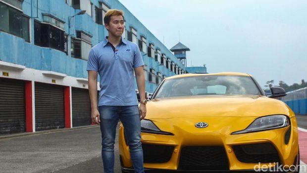 Atlet bulutangkis Marcus Gideon menjadi salah satu pembeli Toyota GR Supra di Indonesia. Marcus sempat menggeber Toyota GR Supra di Sirkuit Internasional Bogor.