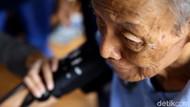 Rawat Kesehatan Usia Senja di Posyandu Lansia