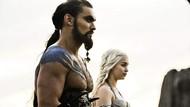 Cerita Emilia Clarke saat Jalani Adegan Intim dengan Jason Momoa