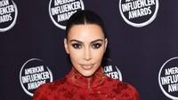 Kim Kardashian Tuntut Dokter Kulit yang Lakukan Vampire Facial Padanya