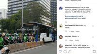 Weleh, Bus TransJ Disuruh Mundur oleh Pemotor yang Lawan Arus