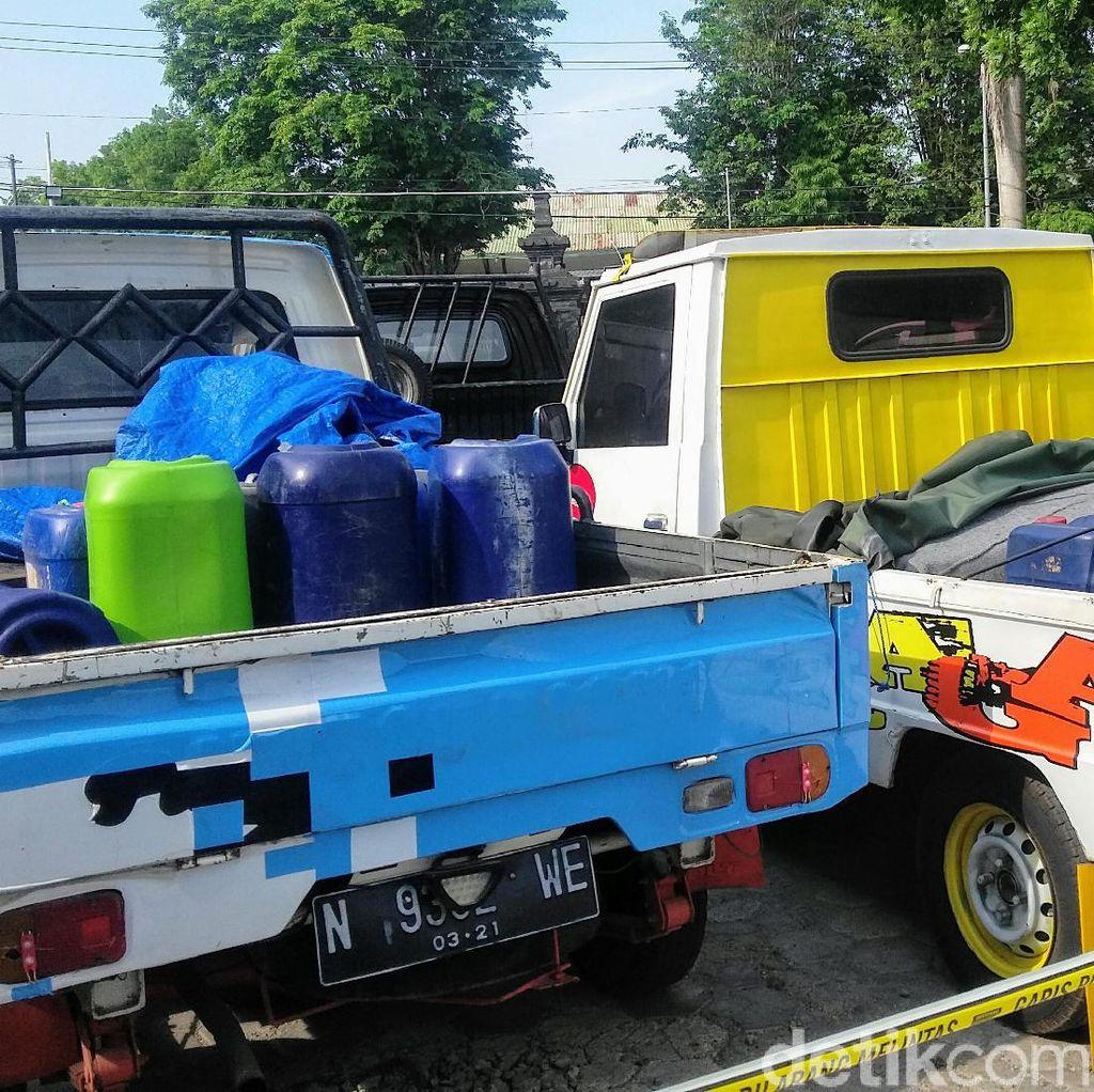 Polisi Bondowoso Ringkus Pembeli BBM yang Gunakan Mobil Modifikasi