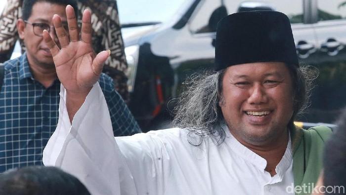 KH Ahmad Muwafiq atau dikenal sebagai Gus Muwafiq saat akan memberi tausiah di KPK. (Ari Saputra/detikcom)