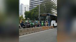 Pemotor Lawan Arus di Busway, Raja Afrika Beli Ratusan Mobil Mewah