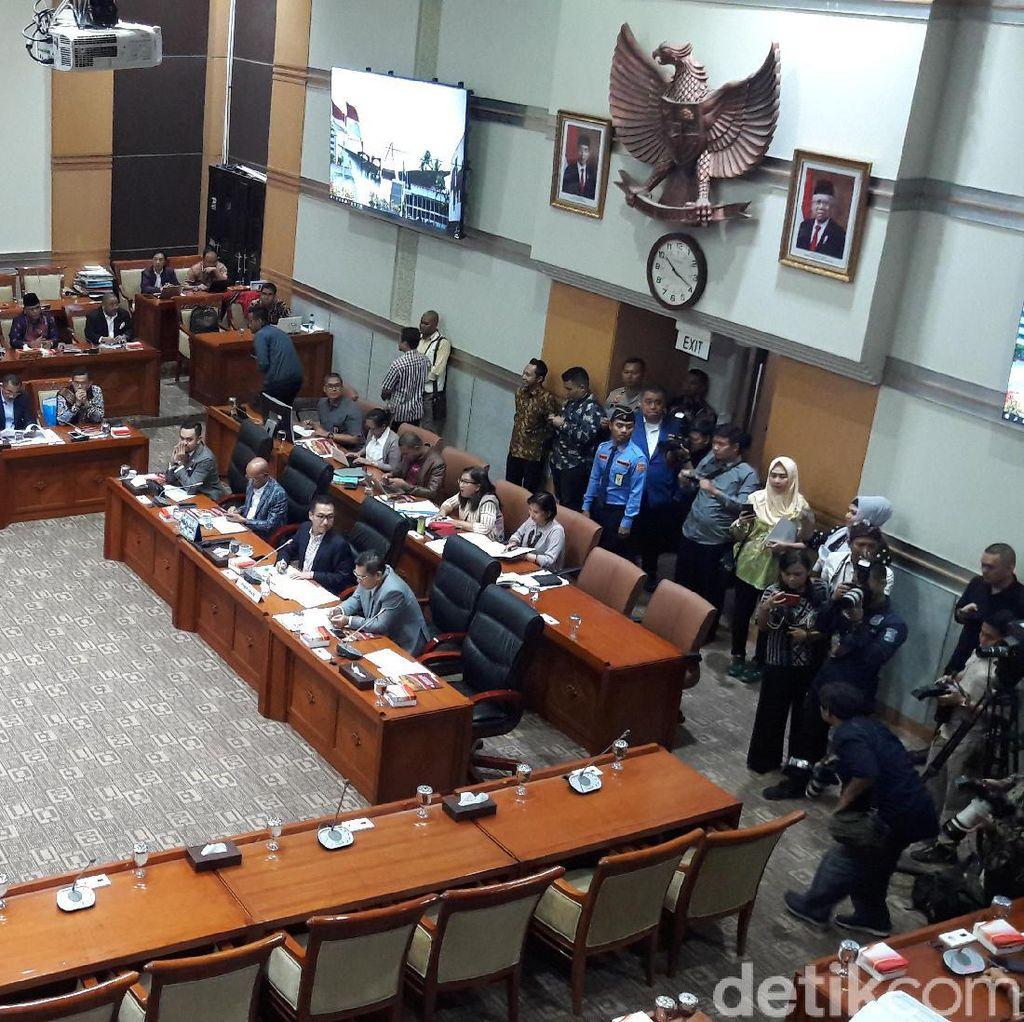 Kapolri Jenderal Idham Aziz Rapat Perdana dengan Komisi III DPR