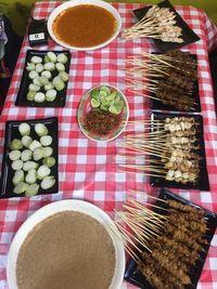Makan Sore Bareng Jagoan Makan, Cicip Seafood, Nasgor Stres, dan Sop Kambing