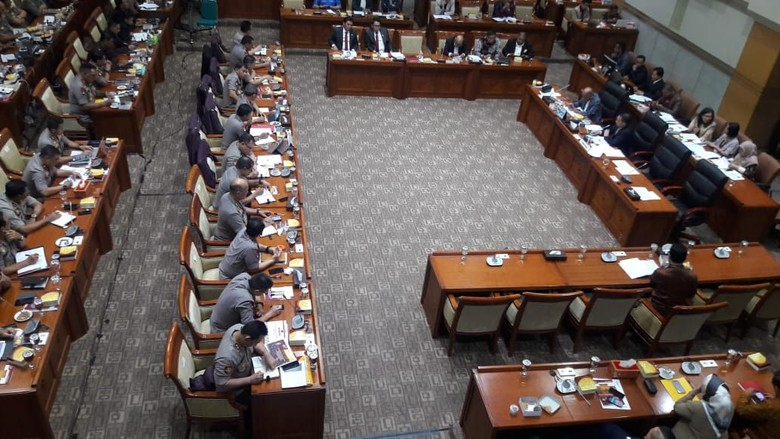 Usai Disinggung Komisi III, Kapolda Metro Akhirnya Duduk di Deretan Kapolri