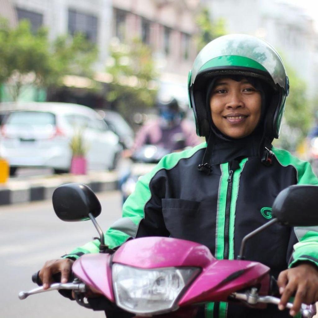 Kisah Dewi, dari Kerja Kantoran Jadi Ratu Aspal di Jalanan