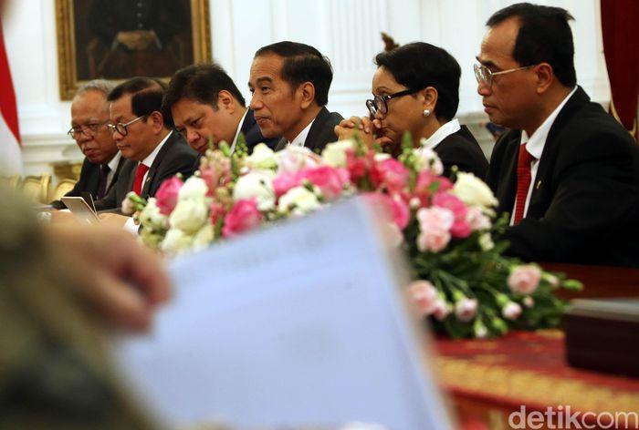Pertemuan Jokowi dan puluhan pengusaha Jepang berlangsung di Istana Merdeka, Jakarta Pusat, Rabu (20/11/2019) sekitar pukul 11.57 WIB.