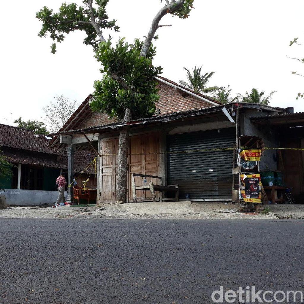 Terpasang Garis Polisi, Ini Rumah yang Digeledah Densus di Gunungkidul