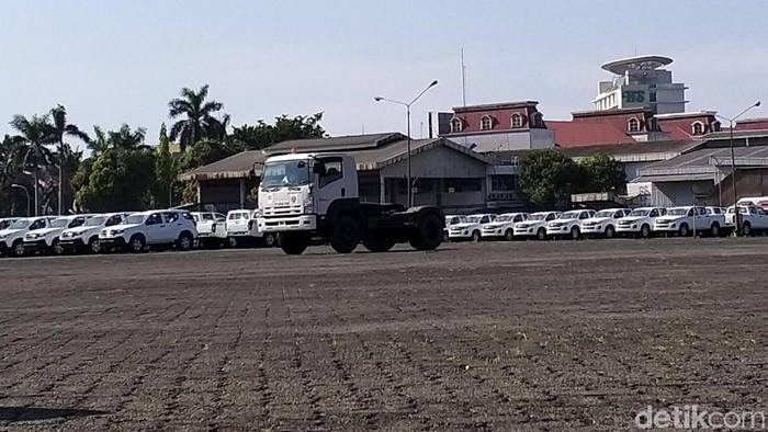PT Jasa Marga (Persero) bersama Isuzu Astra Motor Indonesia menggelar sosialisasi dan edukasi Budaya Tertib Lalu Lintas kepada Pengguna Jalan Tol terhadap 40 pengemudi truk. Acara ini digelar di Isuzu Training Center Harapan Indah Bekasi, Jawa Barat, Selasa (19/11/2019).