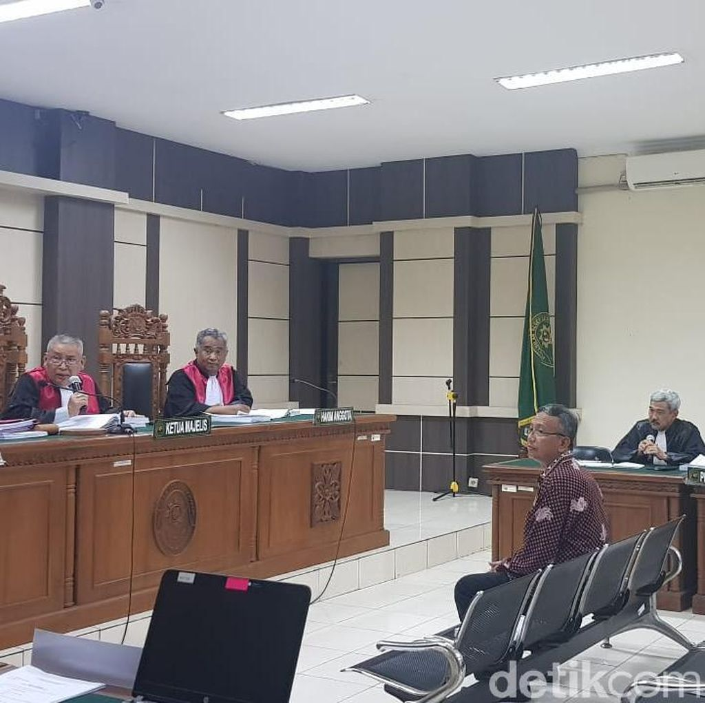 Kasus Suap Bupati Kudus, Plt Sekretaris Dinas PPKAD Dituntut 3 Tahun Bui