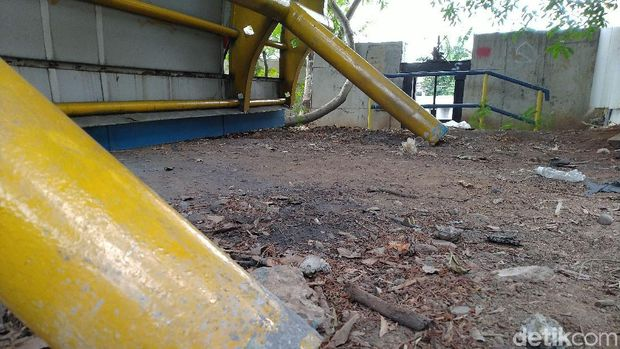 Halte di Daan Mogot Memendek 'Dimakan' Proyek Trotoar, Kini Dicabut