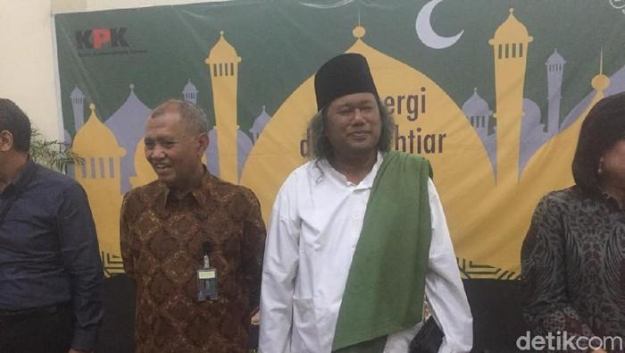 Ketua KPK Agus Rahardjo dan Gus Muwafiq (Foto: Ibnu Hariyanto/detikcom)