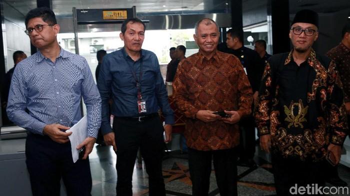 Tiga pimpinan KPK menyambangi Mahkamah Konstitusi (MK). (Ari Saputra/detikcom)