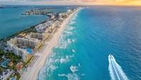Jelang Musim Semi, Pantai Meksiko Longgarkan Pembatasan