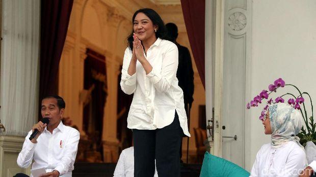 Jokowi memperkenalkan Putri Tanjung /