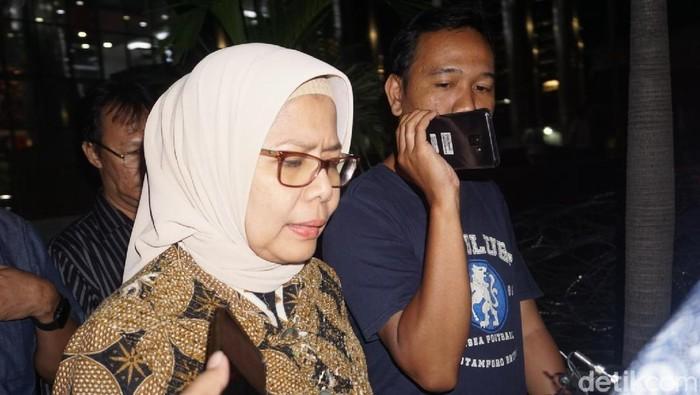 Dirut PT Jasa Marga Desi Arryani usai menjalani pemeriksaan di KPK sebagai saksi. (Ibnu/detikcom)