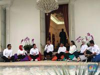 Ini 7 Stafsus Milenial Jokowi: Putri Tanjung Sampai Belva
