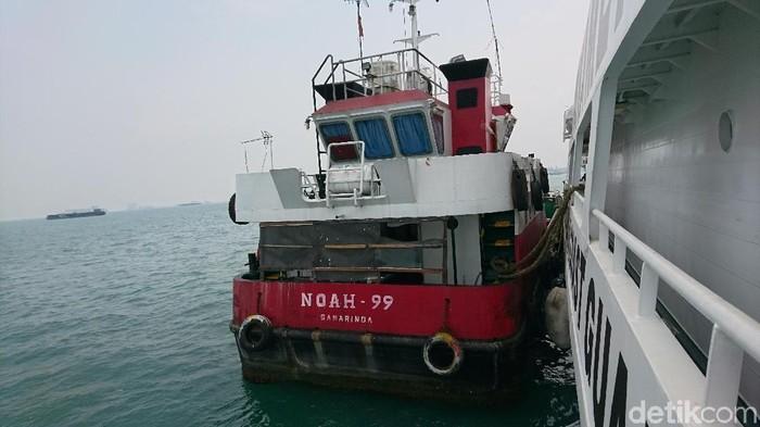 Foto: M Iqbal-detikcom/  Badan Keamanan Laut (Bakamla) menangkap kapal muatan BBM ilegal