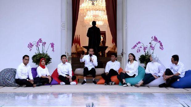 Segudang Prestasi Ayu Kartika Dewi, Stafsus Milenial Jokowi