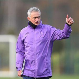 Saat Mourinho Pimpin Latihan Pertama Tottenham