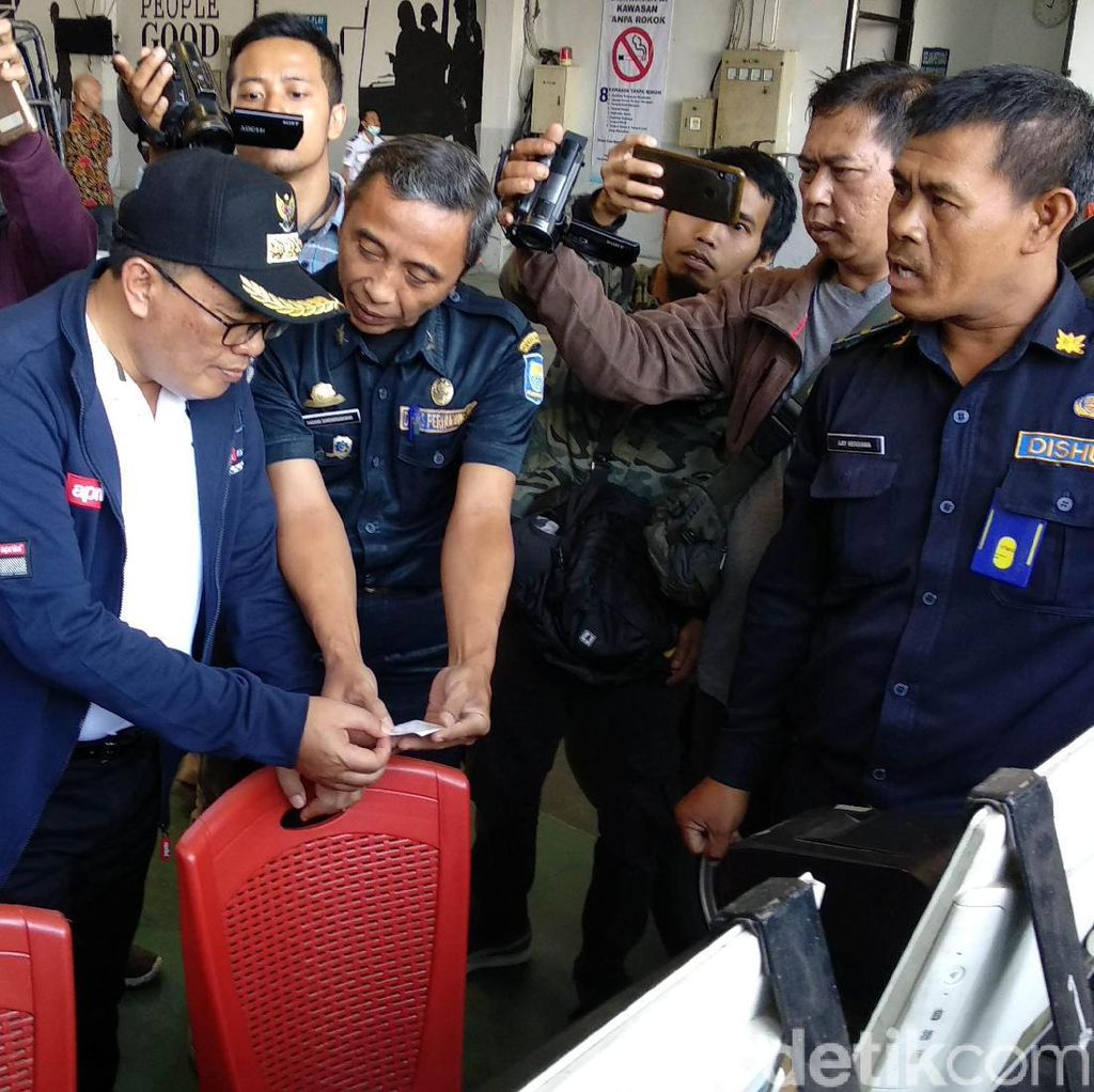 Sidak Uji Kir di Dishub Bandung, Oded: Tidak Ada Pungli