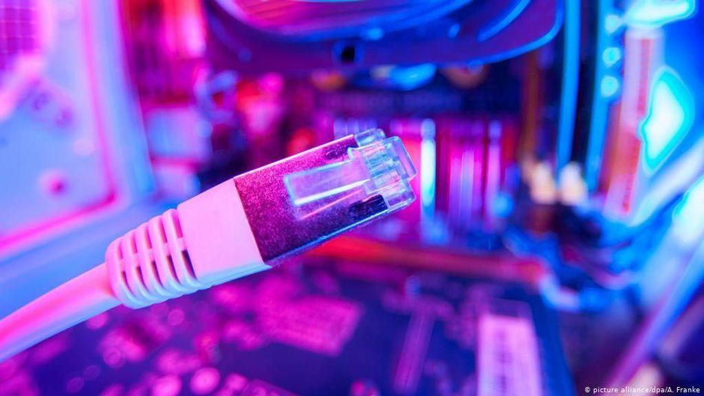 Mampukah AS dan Eropa Sediakan Akses Internet untuk Iran?