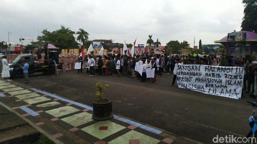 Isu Habib Rizieq Dicekal, FPI Jabar: Kalau Tak Dicabut Terus, Lihat Saja