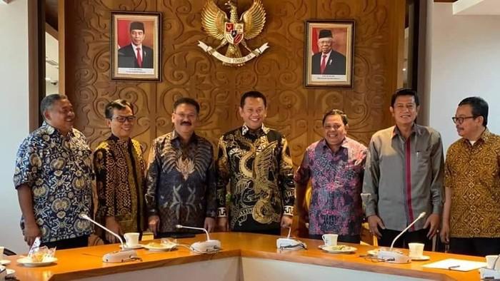 Ketua MPR Bambang Soesatyo menerima kunjungan pengurus PWI di kompleks MPR/DPR, Senayan, Jakarta, Rabu (20/11). (Dok. Istimewa)