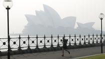 Sydney Opera House Menghilang Ketutup Kabut Asap
