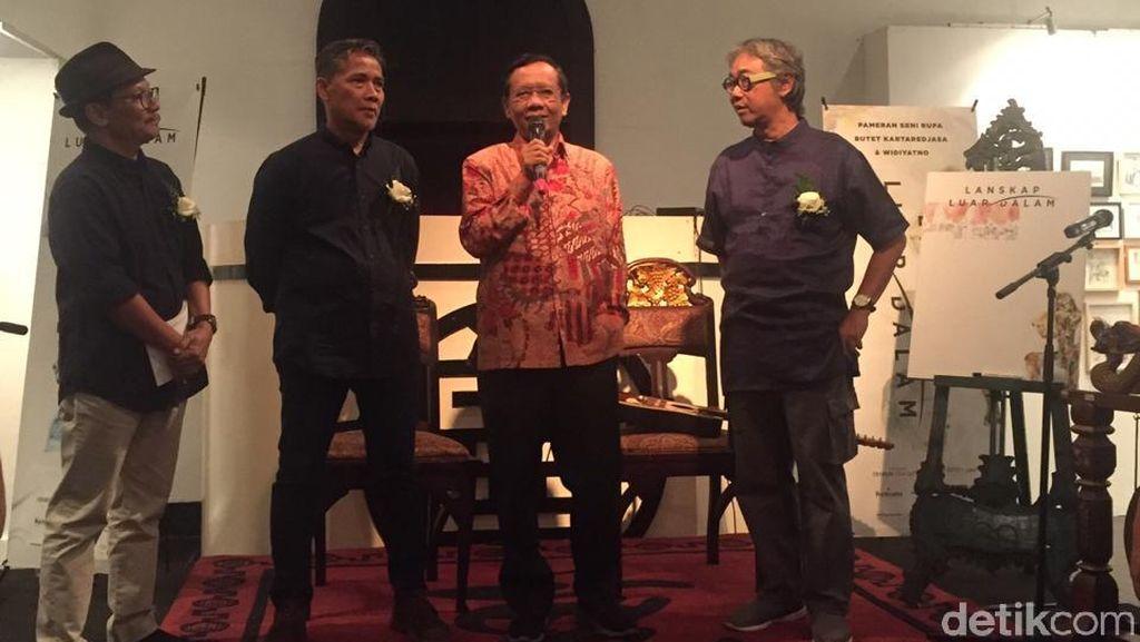 Mahfud Md Buka Pameran Seni Butet Kartaredjasa dan Widiyatno
