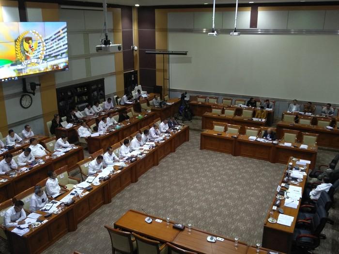 Raker Komisi III dengan BNPT (Foto: Nur Azizah/detikcom)