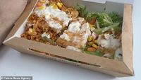 Makan Fried Chicken Seminggu, Pria Ini 'Mabuk' Garam hingga Sakit Kepala