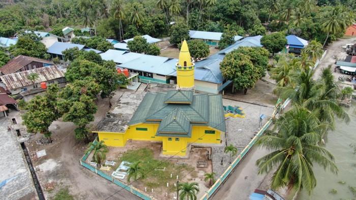 Masjid tertua di Buru yang bisa mengundang wisatawan religi (Foto: 20detik/Wirsad Hafiz)