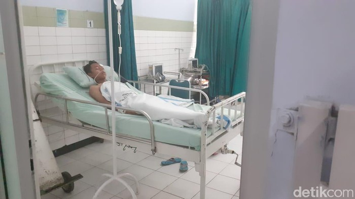 Korban robohnya aula SMKN 1 Miri di RSUD Sragen. (Andika Tarmy/detikcom)