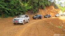 Gubernur Sulsel Offroad Cek Proyek Jalan Bua-Rantepao