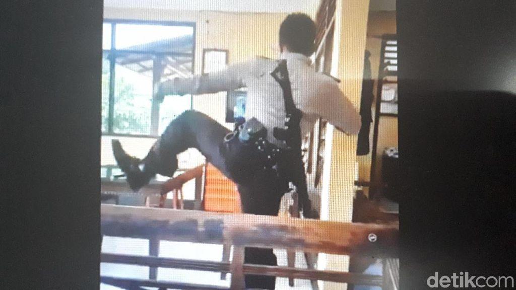Posting Video Polisi Jaga Bersenjata Menari Jawa, GKR Hayu: Maturnuwun