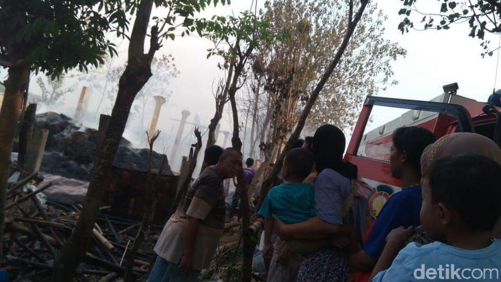 Hotel Kerbau di Jepara Terbakar