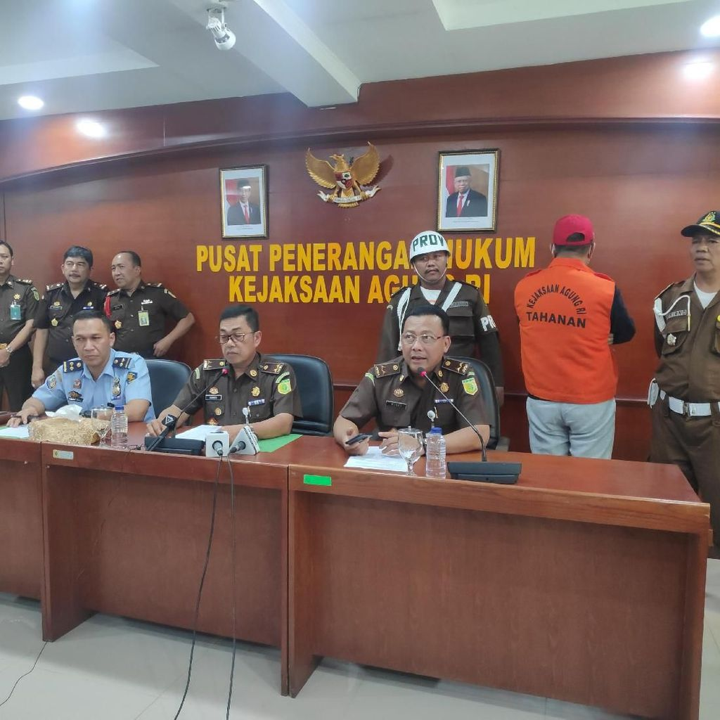 Usai Ditangkap di Malaysia, Koruptor Rp 24 M Dijebloskan ke Bui