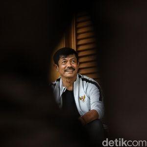 WFH, Indra Sjafri Tonton Ulang Kejayaan Bersama Timnas Indonesia