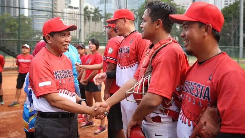 Tinjau Tim Baseball dan Softball, Menpora: Fokus dan Konsentrasi!