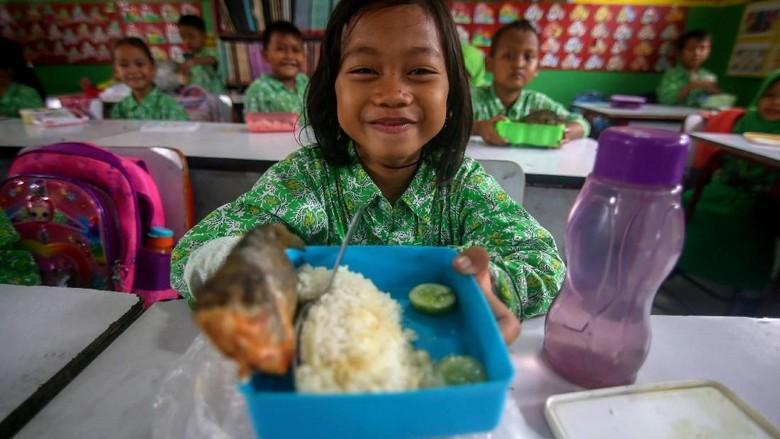 Peringatan Hari Ikan Nasional di Berbagai Wilayah