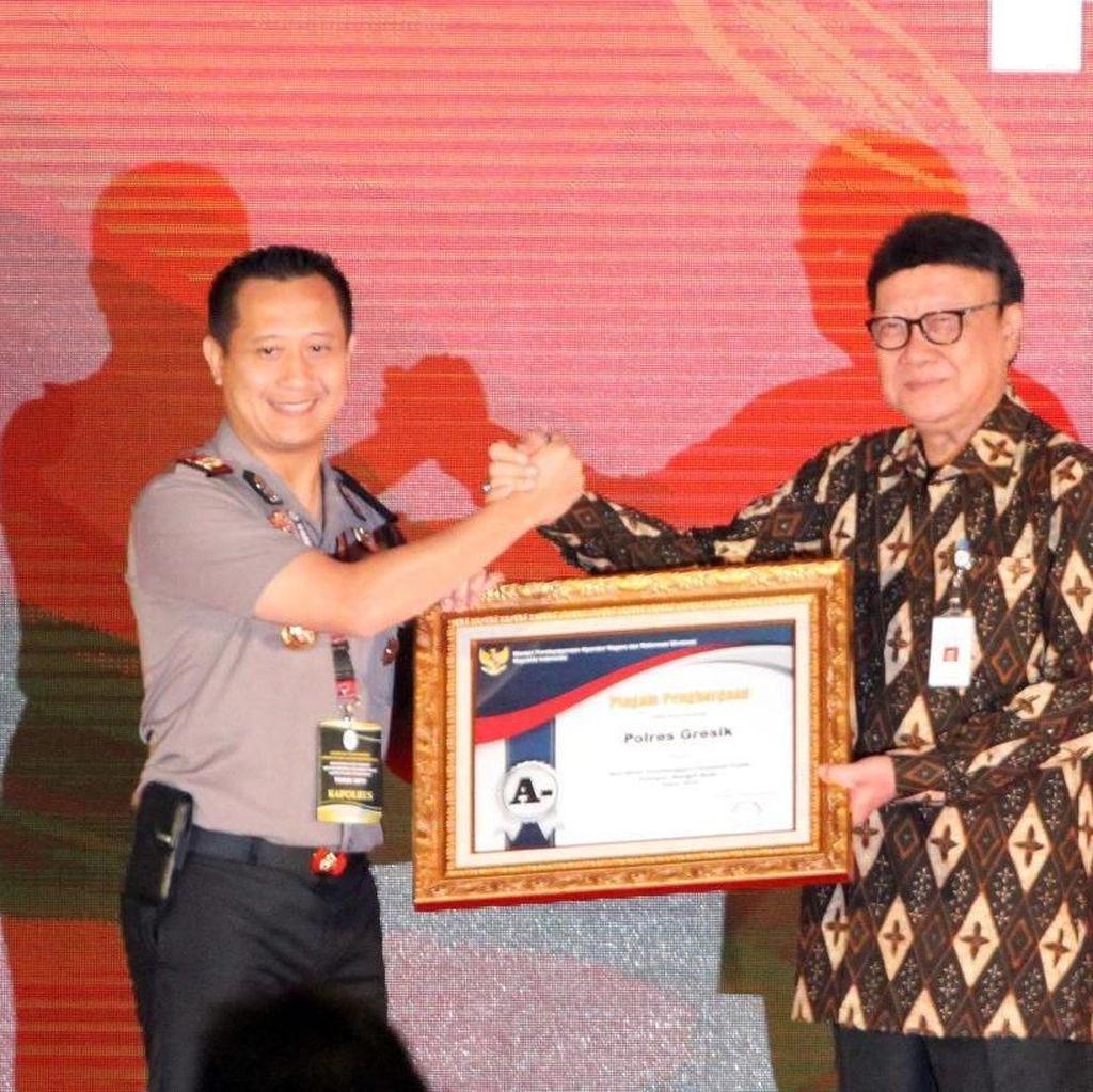 Pelayanan Publik Polres Gresik Diganjar Penghargaan Oleh Kemenpan RB