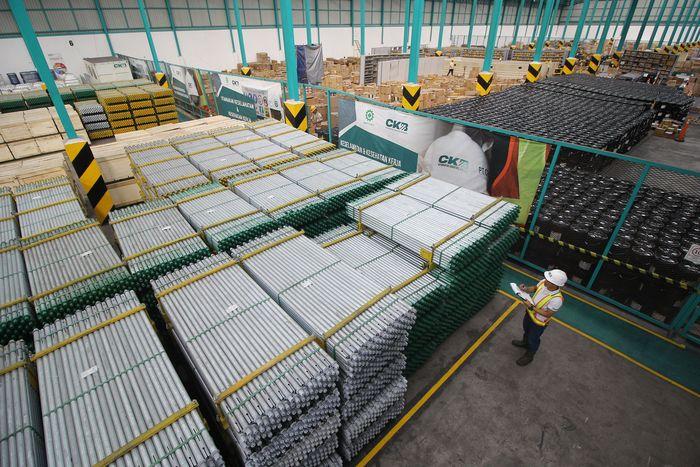 Kebutuhan pergudangan diberbagai wilayah Indonesia terus mengalami pertumbuhan yang pesat. Untuk itu, CKB Logistik terus memperluas gudang miliknya.