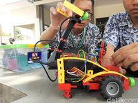 Robot pendeteksi lingkungan