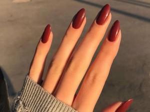 Ingin Tampil Sempurna, Tren Mengedit Jari-jari Tangan Marak di Instagram