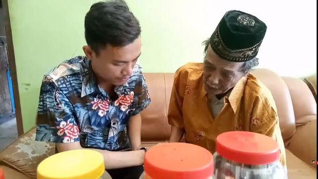 Inilah Youtuber Yang Tendangi Kakeknya sendiri Iyus Sinting
