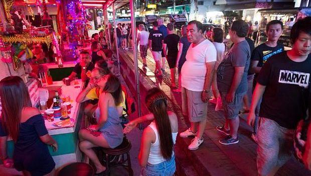 Jalanan Pattaya yang dipenuhi wanita penghibur